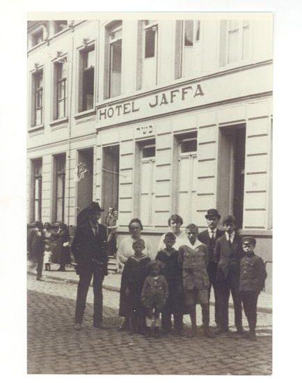 Het koosjere hotel Jaffa in de Antwerpse Somersstraat werd uitgebaat door de in 1902 uit Polen geïmmigreerde familie Springer. Brussel, Joods Museum van België
