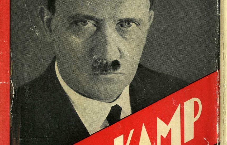 Tijdens zijn gevangenschap schrijft Hitler de politieke autobiografie Mein Kampf. Het boek wordt een groot succes en krijgt spoedig edities in andere talen (zoals hier in het Nederlands).