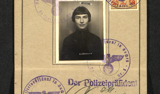 Identity card of Brigitte Jacobsberg